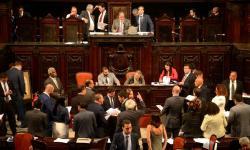 Assembléia corre para tirar corruptos da cadeia