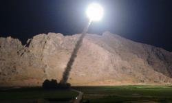 Irã ataca base americana com mísseis balísticos