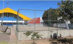 CIDADE OCIDENTAL: Por falta de bom senso da Prefeitura quadra de basquete poderá ser demolida