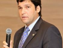Robério solicita criação de 11 novos conselhos tutelares no Distrito Federal