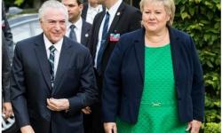 Primeira-ministra da Noruega quebra isolamento da Covid e é multada