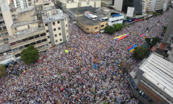 Aliado de Maduro é extraditado para os EUA; governo venezuelano detém 5 americanos