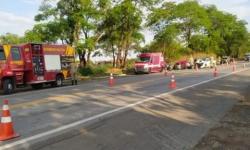 Acidente no Entorno do DF envolvendo três carros deixa sete mortos