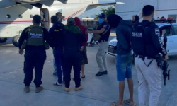 """Brasileiros presos com """"arsenal de guerra"""" são expulsos do Paraguai"""