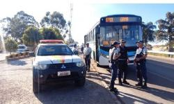 Adolescentes assaltam ônibus que faziam trajeto Gama/Valparaíso-GO