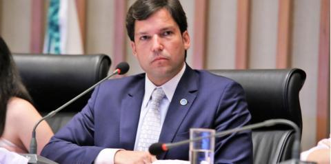 Robério Negreiros quer o fim da cobrança de taxa de conveniência na compra de ingressos pela internet