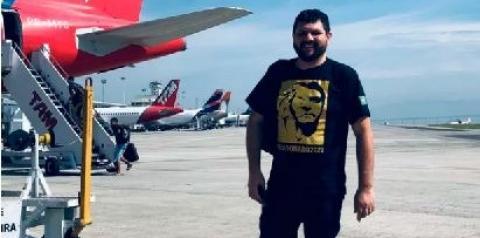 Conheça o jornalista preso sem processo por expressar opinião que a mídia militante chama de blogueiro bolsonarista.