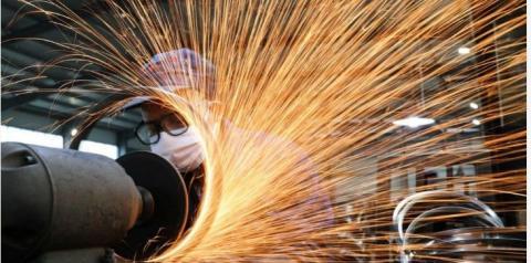 Indústria volta aos poucos e cresce em média 9%
