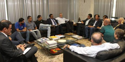 Dirigentes do futebol candango apresentam demandas ao governador