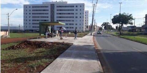 Administração conclui as calçadas da CL 105 e 106 de Santa Maria, que beneficiarão mais de 2.000 moradores e comerciantes