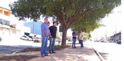 Deputado Robério Negreiros fiscaliza obras em Santa Maria