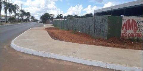 Mais um trecho de calçada concluído na Qr 317 de Santa Maria