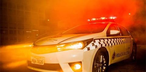 Bandidos roubam carro e sequestram pai e filha de 3 anos no DF