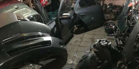 PM prende dono de oficina que desmanchava carros roubados no DF