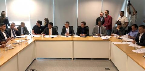 Distritais rejeitam mudanças na saúde como quer governador Ibaneis
