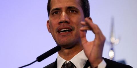 Guaidó desafia Maduro e chama o povo às ruas