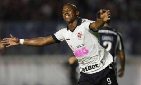 Vasco leva a melhor contra Botafogo por 2 a 1