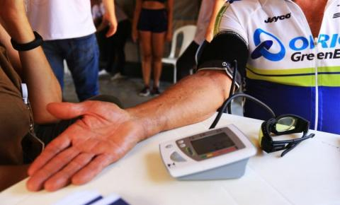 Secretaria alerta a população sobre AVC e infarto