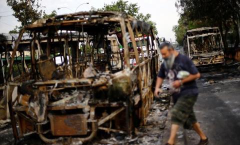 Crise se alastra e Piñera fala em 'estado de guerra'