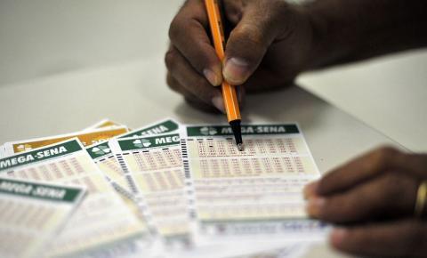 Fazer fé na Mega e outras loterias fica mais caro