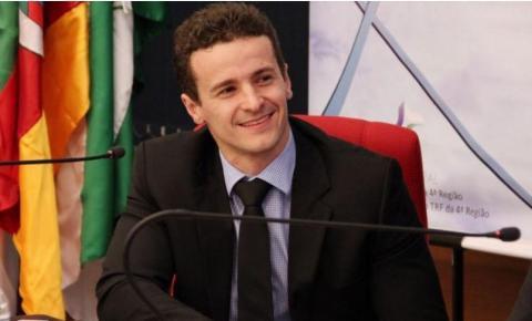 Procurador da Lava Jato compara decisão do Supremo a decreto 'salva ladrões' italiano