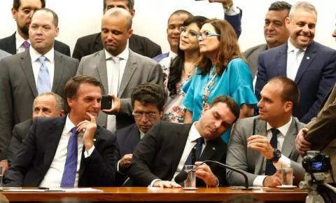PSL é uma gangue partidária que existe em função de Bolsonaro