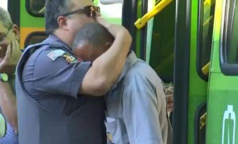 PM consola motorista após acidente que matou mulher em moto