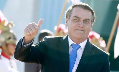 Chamar Bolsonaro de ameaça à democracia é falso e revela burrice