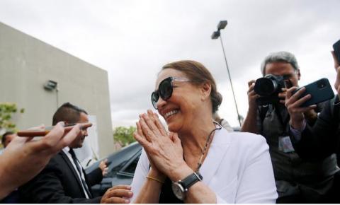 Regina diz 'sim' a Jair Bolsonaro e assume Cultura