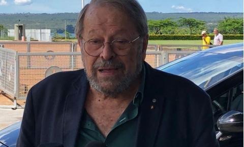 Carlos Vereza vai ao Alvorada para apoiar Regina Duarte