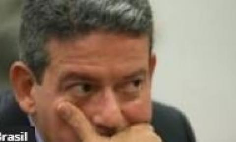 Em Alagoas, juíza dá uma mãozinha para Arthur Lira se livrar de pagar pensão e ficar longe da cadeia