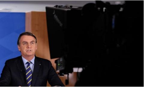 Bolsonaro manda usar cloroquina contra a Covid-19