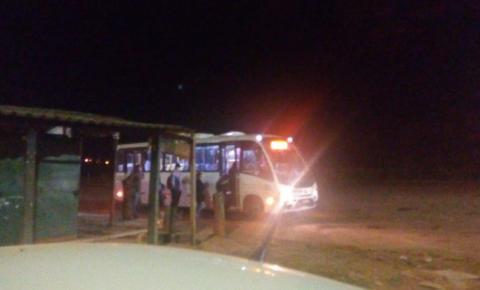   Passageiros reclamam dos ônibus sucateados da COUTINHO em Novo Gama