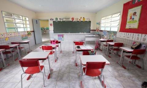 Apesar de decreto, escolas privadas do DF consultarão pais sobre reabertura