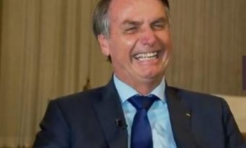 Bolsonaro sanciona, com vetos, MP da redução de jornada e salário