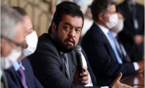 Rio: investigado, governador em exercício promete reduzir criminalidade