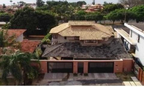 Morador de apartamento funcional, Chico Rodrigues declarou ser dono de 3 imóveis no DF