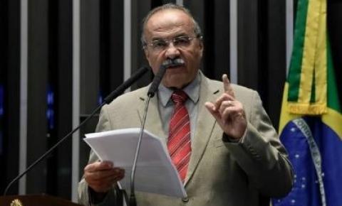 Flagrado com dinheiro nas nádegas, senador Chico Rodrigues declarou R$ 525 mil em espécie