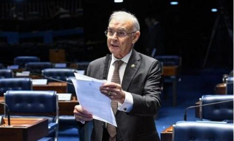 Covid mata senador Arolde de Oliveira