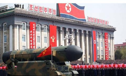 Coreia mostra força e míssil capaz de atingir Washington