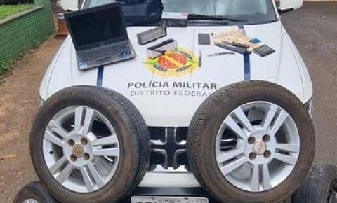 """Homem rouba pneus e """"roda"""" em Santa Maria"""