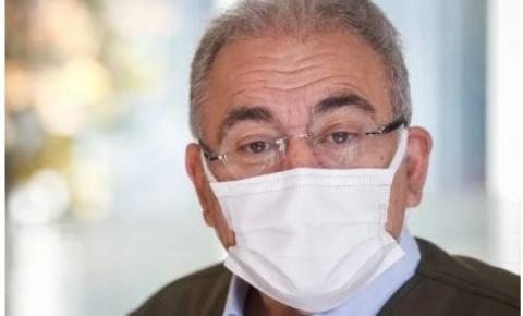 "Queiroga cutuca governadores: ""Galinha cantando sobre ovos da outra"""