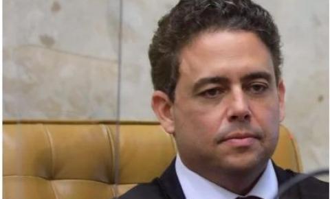 Conselheiros da OAB pedem afastamento do presidente da Ordem após críticas a Bolsonaro