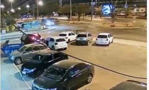 Vídeo: homem é preso após esfaquear ex-mulher e atual namorado dela