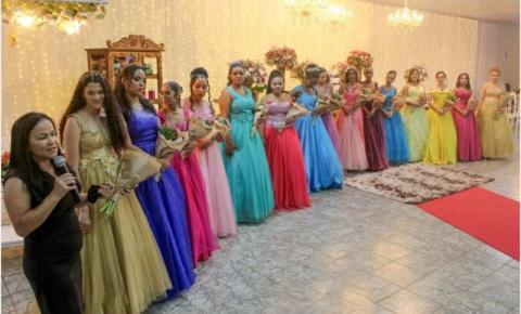 Instituto Nova Cidadania realiza mais um Baile de Debutantes