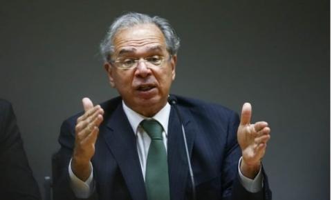 Em nome do social, Guedes muda tom e admite desacelerar ajuste fiscal