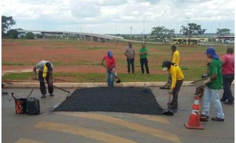 Administração completa quebra-molas próximo ao BRT
