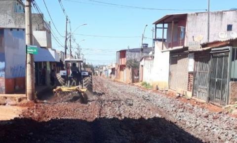 Obras de asfaltamento são retomadas no Residencial Ribeirão, em Santa Maria