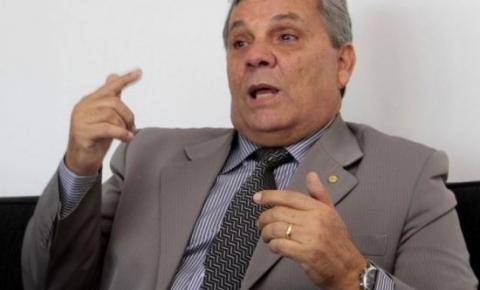 Fraga espera reverter condenação para assumir ministério