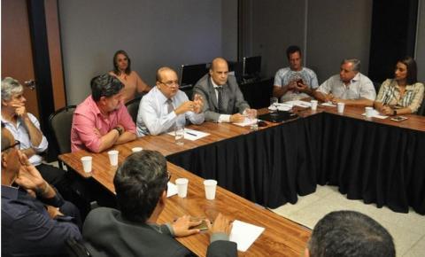 Ibaneis reúne aliados para definir nomes e regras para a transição